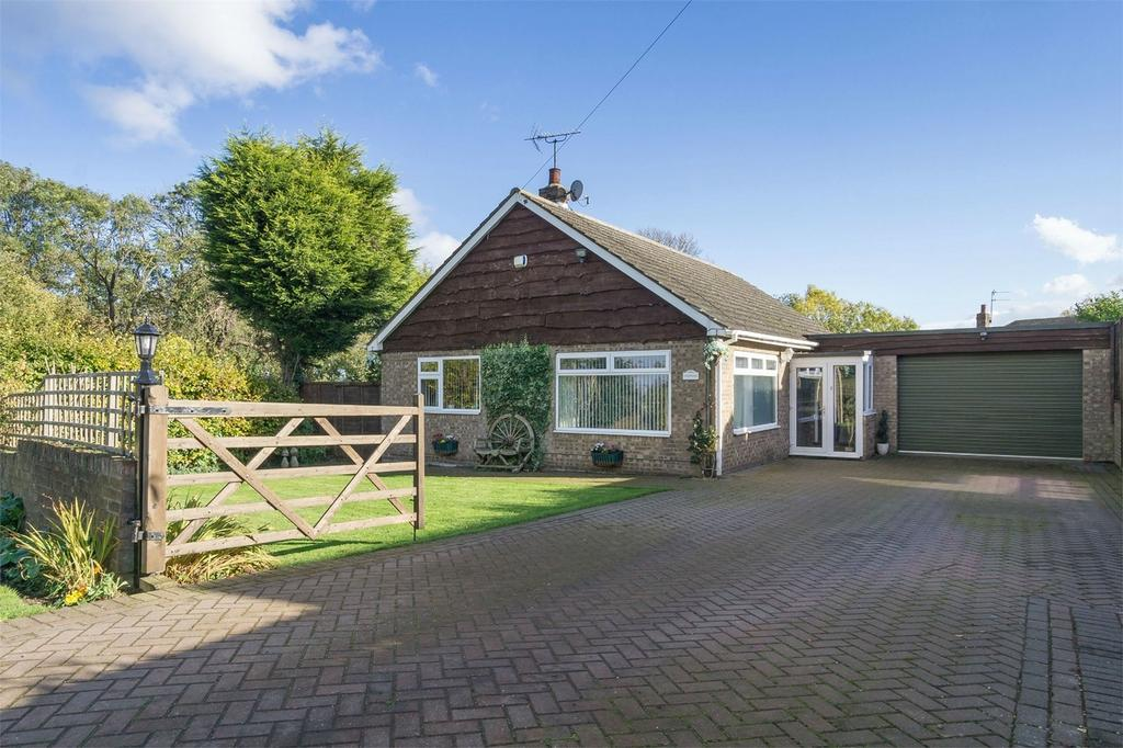 2 Bedrooms Detached Bungalow for sale in Clarks Lane, Patrington, East Riding of Yorkshire