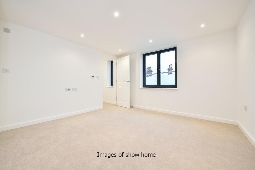 4 Bedrooms Town House for sale in Kneller Road, Brockley, SE4