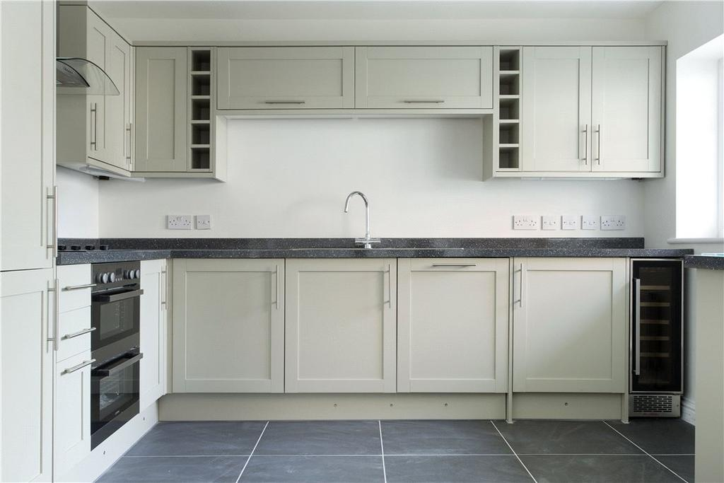 1 Bedroom Flat for sale in Falstaff House, 33 Birmingham Road, Stratford-upon-Avon, Warwickshire, CV37