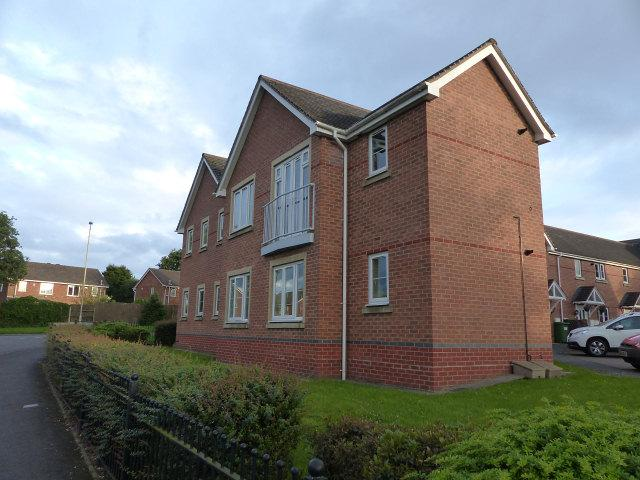 2 Bedrooms Flat for sale in Heath Way,Heath Hayes,Cannock