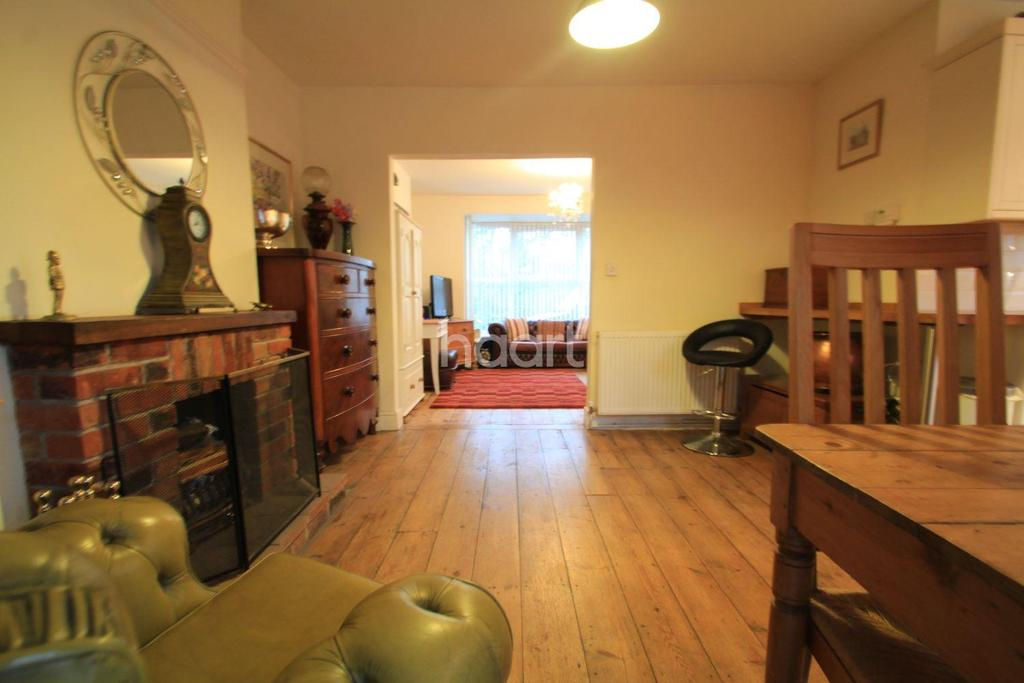 3 Bedrooms Semi Detached House for sale in Waterworks Road
