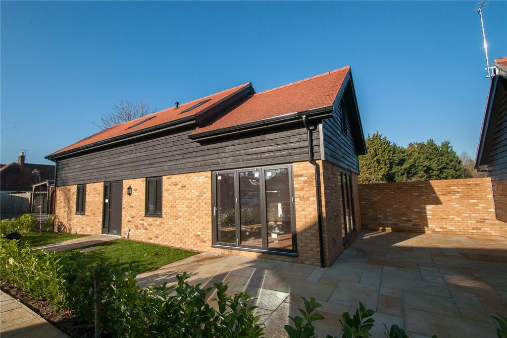 2 Bedrooms Detached House for sale in Skye Court, Wingham, CT3