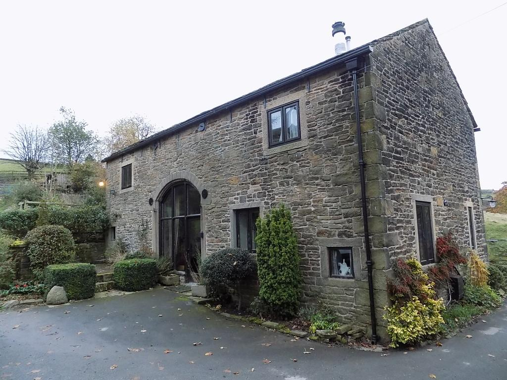 4 Bedrooms Farm House Character Property for sale in Kinder Road, Hayfield