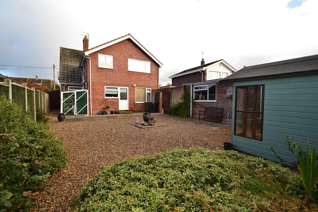 3 Bedrooms Chalet House for sale in Mill Road, Stoke Holy Cross