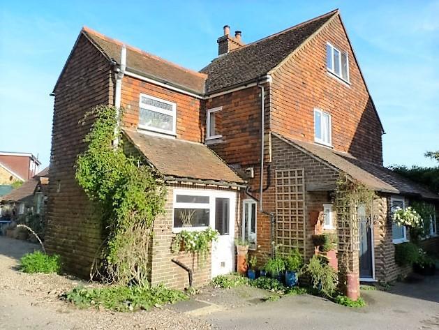 3 Bedrooms Semi Detached House for sale in Sandy Cross Cottages, Sandy Cross Lane, Heathfield, East Sussex, TN21 8QH