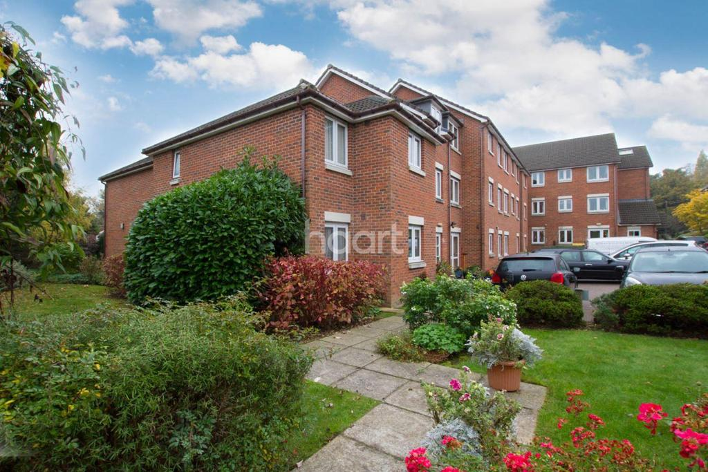 1 Bedroom Flat for sale in Clement Court, Sheepcot Lane, Watford WD25