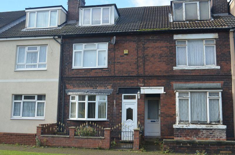 3 Bedrooms Terraced House for sale in Queen Street, Scunthorpe