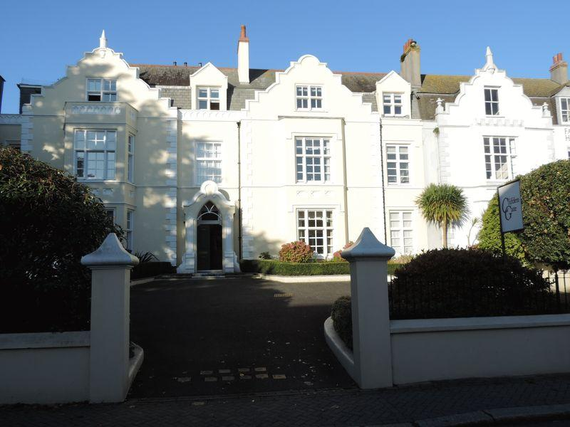 2 Bedrooms Apartment Flat for sale in Falmouth Road, Truro