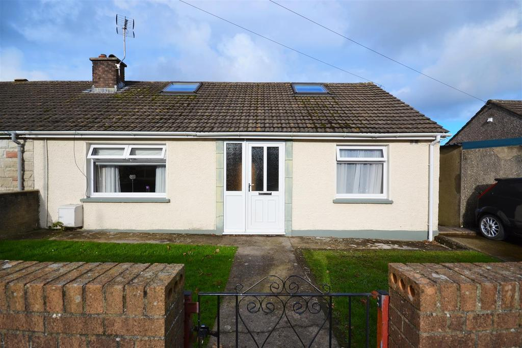 2 Bedrooms Semi Detached Bungalow for sale in Fishguard