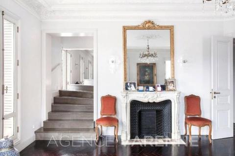 4 bedroom house  - Franklin Roosevelt, St Philippe Du Roule, Paris