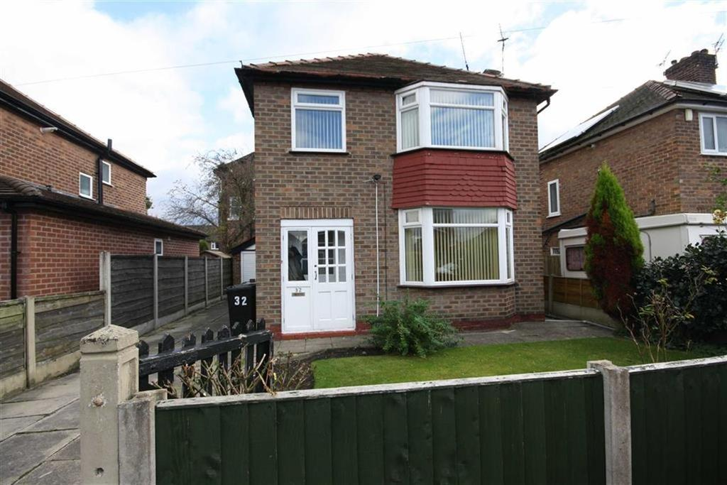 3 Bedrooms Detached House for sale in Oak Road, Sale