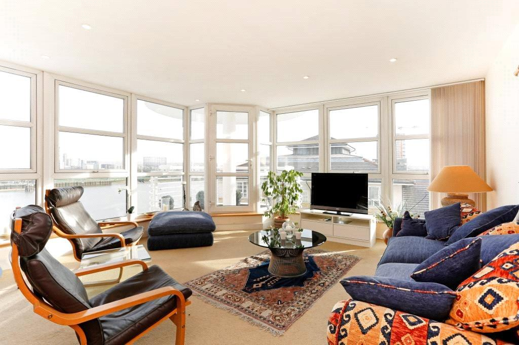 2 Bedrooms Flat for sale in Pierhead Lock, 416 Manchester Road, Canary Wharf, London, E14