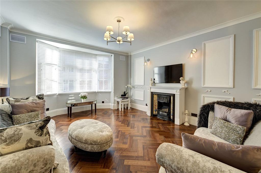 2 Bedrooms Flat for sale in Rossetti House, 106-110 Hallam Street, London, W1W