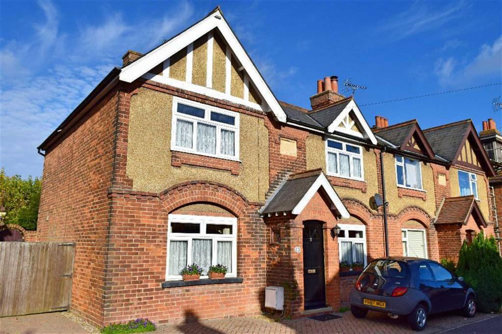 3 Bedrooms Semi Detached House for sale in Donnington Road, Dunton Green, TN13