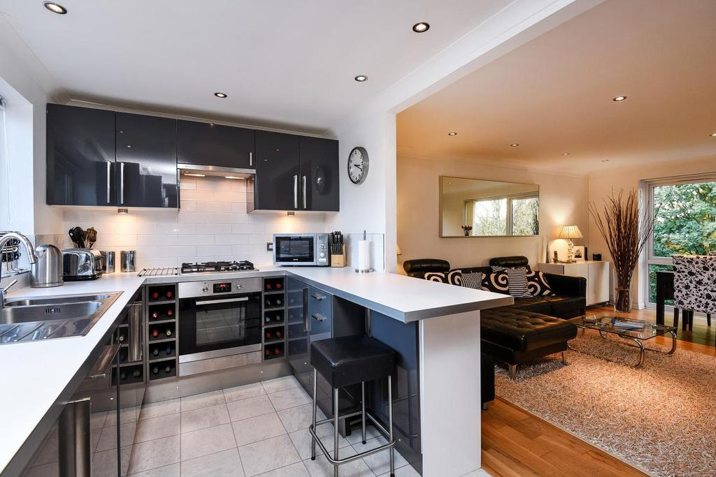 3 Bedrooms Penthouse Flat for sale in The Avenue, Beckenham, BR3