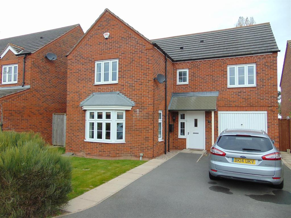 4 Bedrooms Detached House for sale in Westminster Road, Rushall