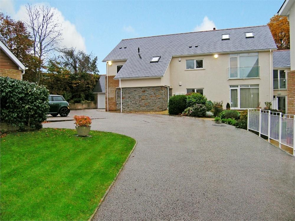 3 Bedrooms Flat for sale in Ty Gwyn Crescent, Penylan, Cardiff