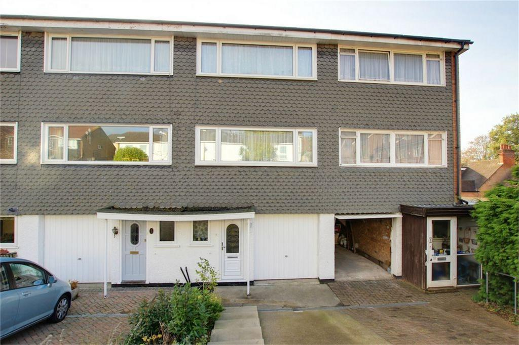 3 Bedrooms Terraced House for sale in The Seymours, Loughton, Essex