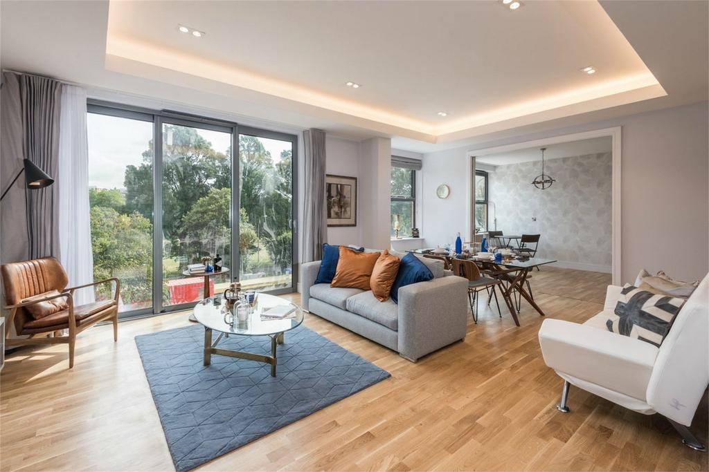 3 Bedrooms Flat for sale in ParQ, Preston Road, Brighton, East Sussex
