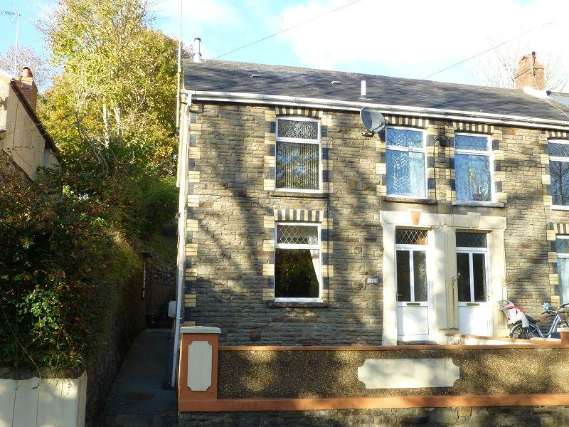 3 Bedrooms End Of Terrace House for sale in Folland Road, Glanamman, Ammanford, Carmarthenshire.
