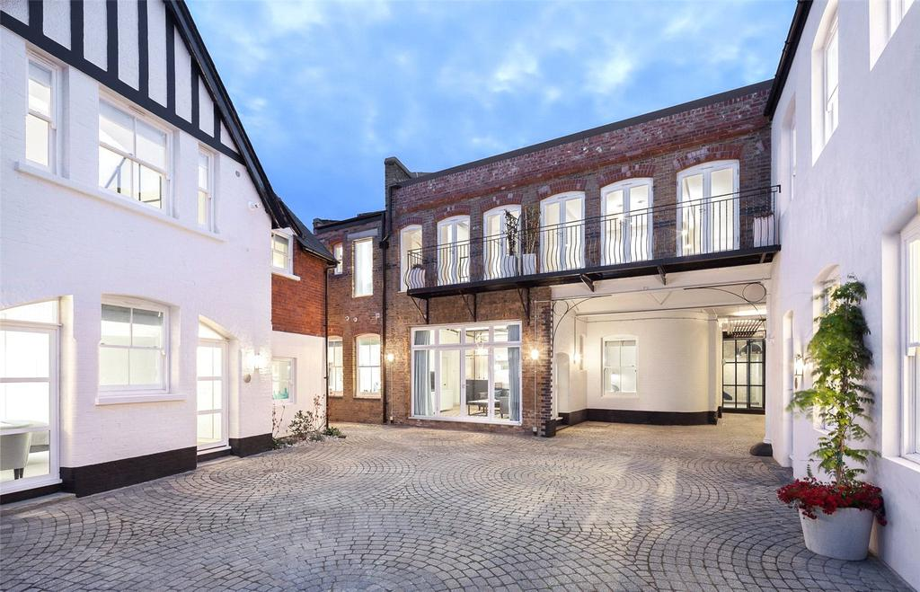 2 Bedrooms Mews House for sale in Bakery Place, Battersea, London, SW11