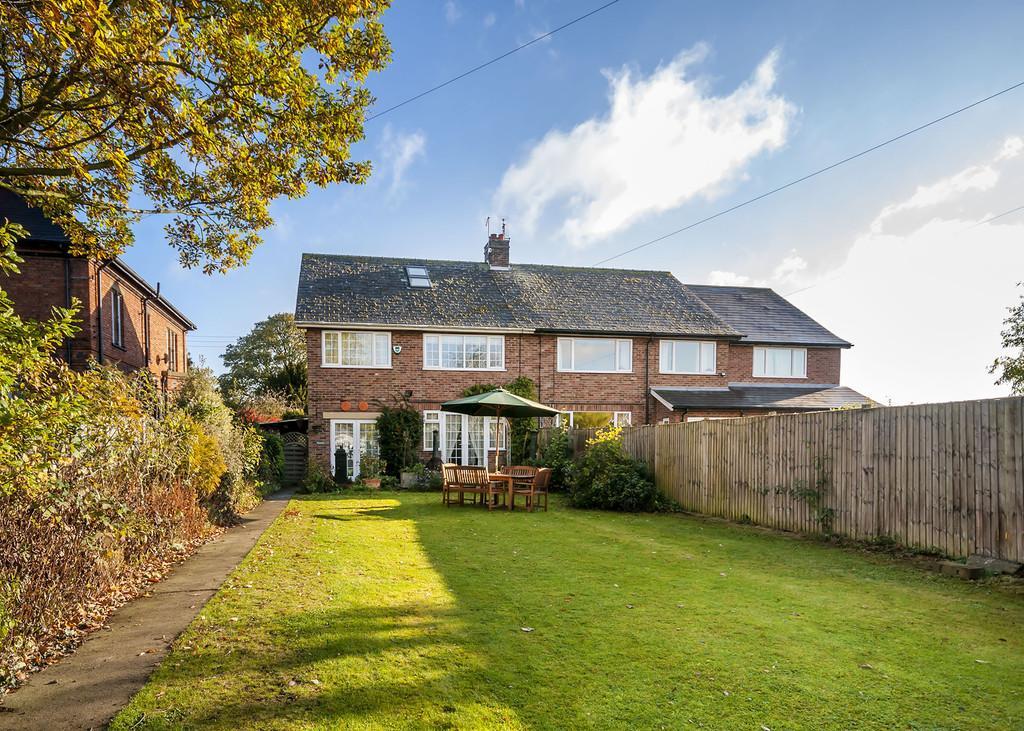 4 Bedrooms Semi Detached House for sale in Leverton Road, Sturton-Le-Steeple, Retford