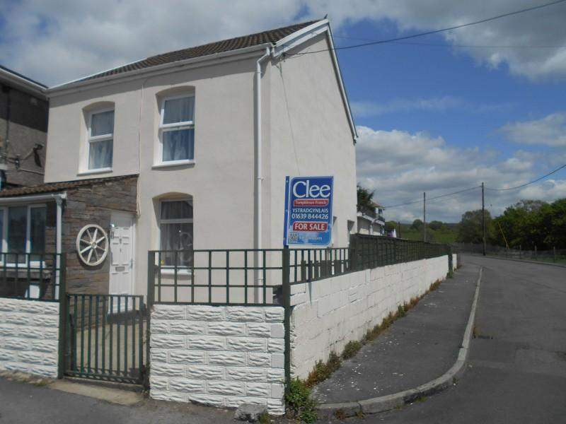 3 Bedrooms Detached House for sale in Brynbrain Road, Cefnbrynbrain, Swansea.
