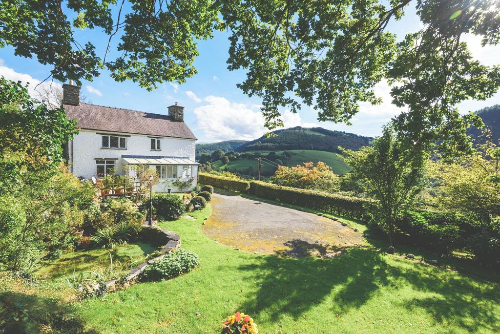 4 Bedrooms Detached House for sale in Commins Coch, Machynlleth, Powys