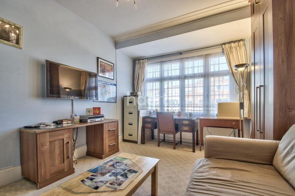 2 Bedrooms Flat for sale in Granville Road , Finchely, N12
