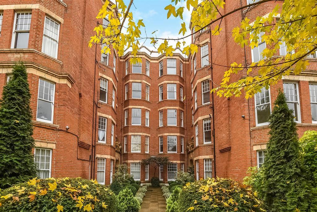 1 Bedroom Flat for sale in The Terrace, Barnes