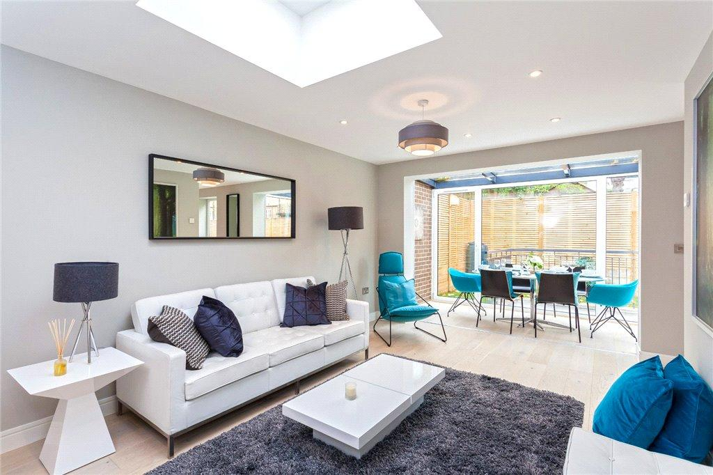 2 Bedrooms Detached House for sale in Church Road, London, N6