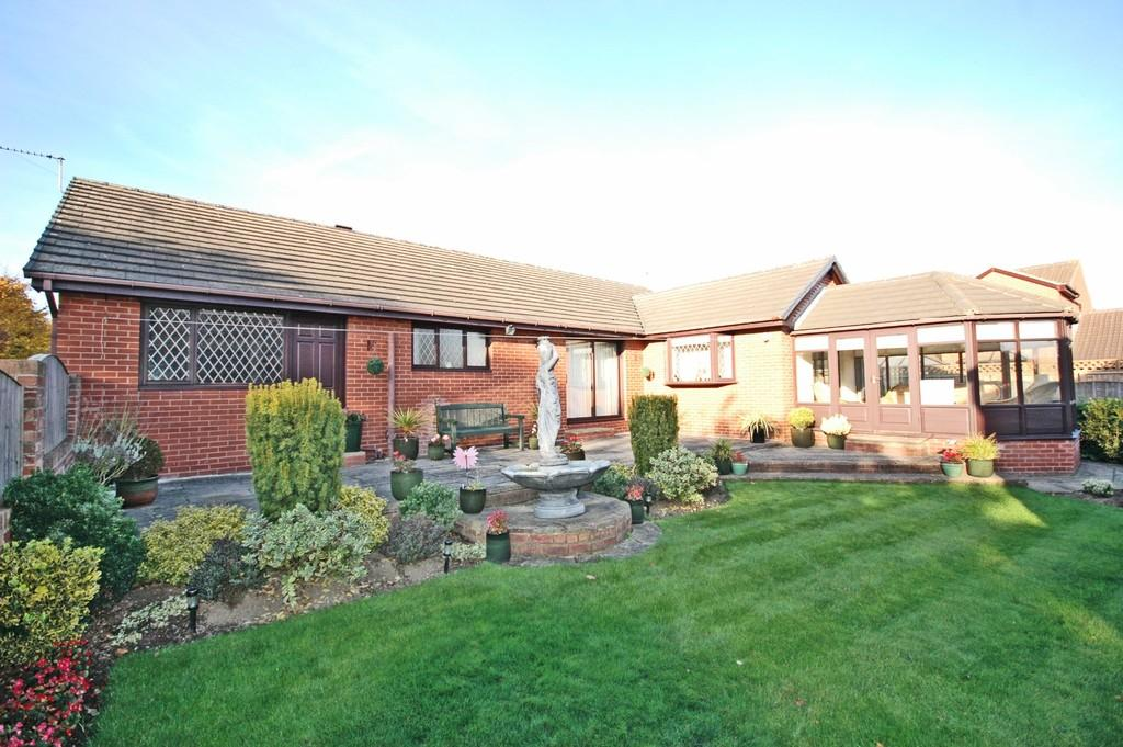 3 Bedrooms Detached Bungalow for sale in Hedley Crescent, Newton Hill