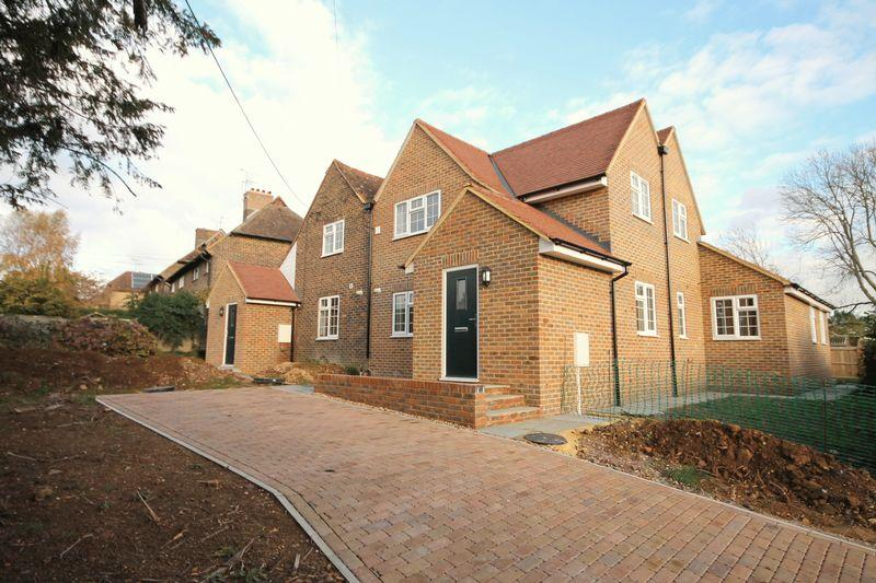 4 Bedrooms Semi Detached House for sale in College Road, Ardingly, West Sussex
