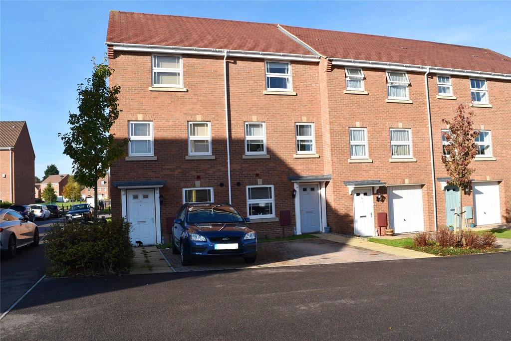 4 Bedrooms Terraced House for sale in Blenheim Road, Leighton Buzzard