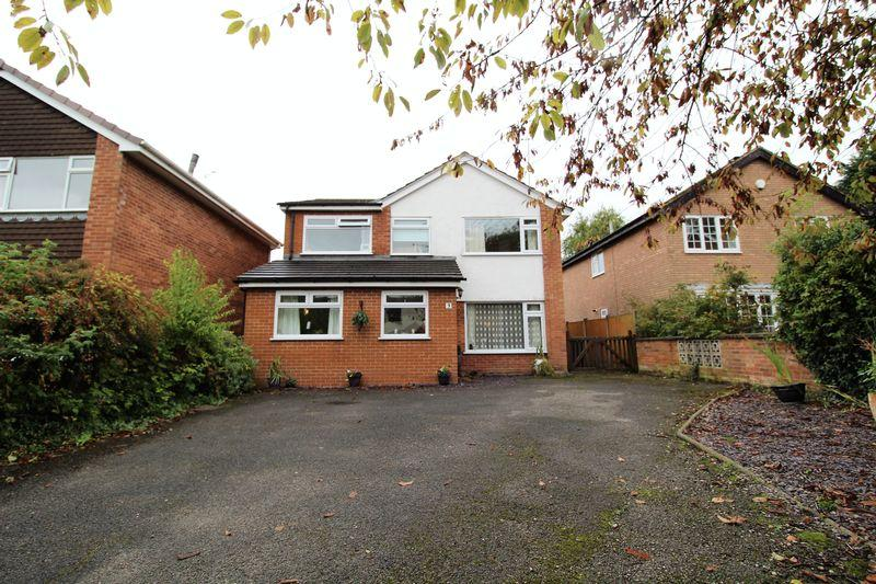 4 Bedrooms Detached House for sale in Quarry Close, Heswall