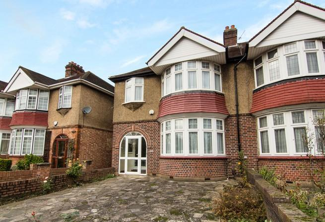 3 Bedrooms Semi Detached House for sale in East Acton Lane, Acton