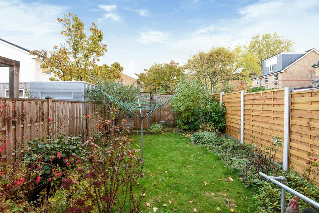 3 Bedrooms Terraced House for sale in Chelsfield Gardens, Sydenham, SE26