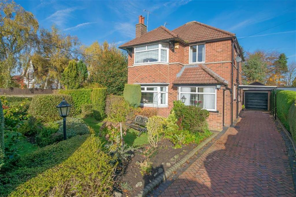 3 Bedrooms Detached House for sale in Gwernaffield Road, Mold, Mold