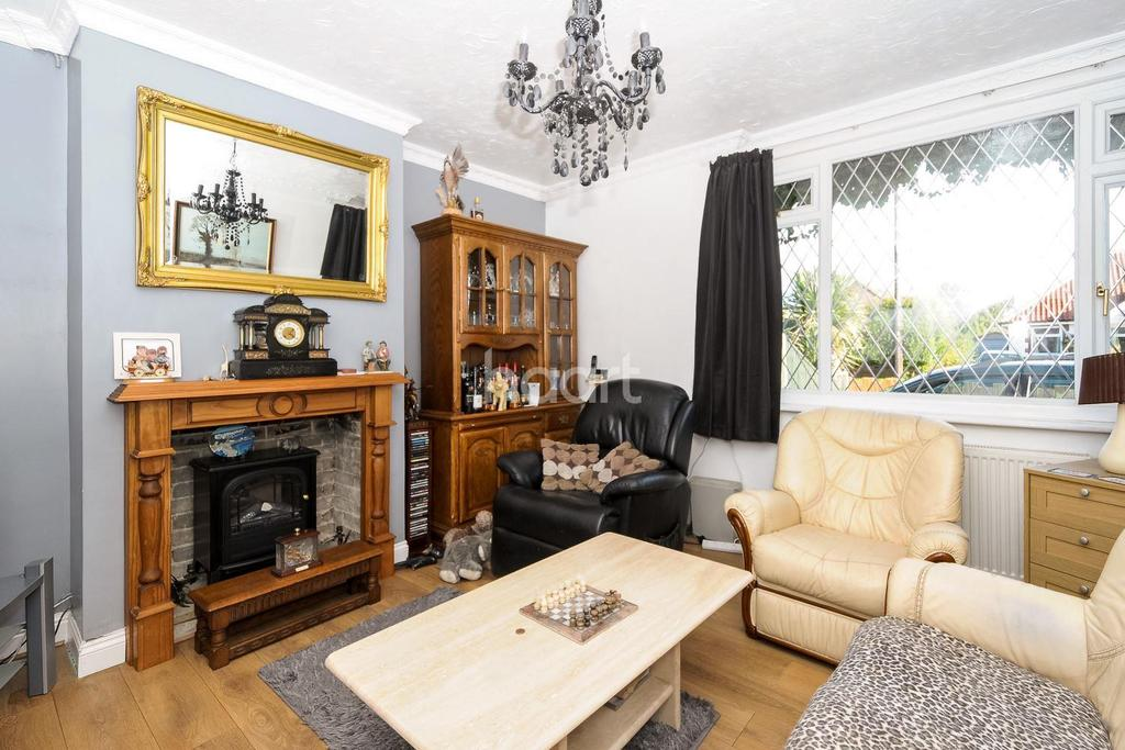 6 Bedrooms Semi Detached House for sale in Reepham Road