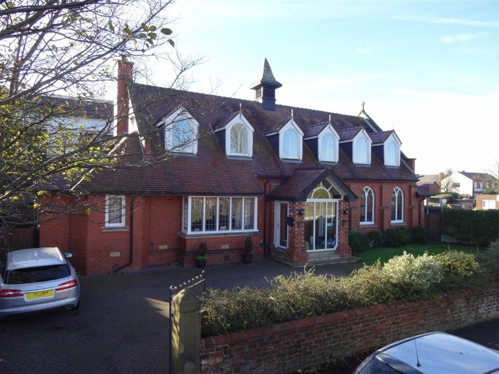 5 Bedrooms Detached House for sale in Cambridge Road, Lytham St Annes