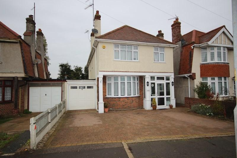 4 Bedrooms Detached House for sale in Holland Road, East Clacton
