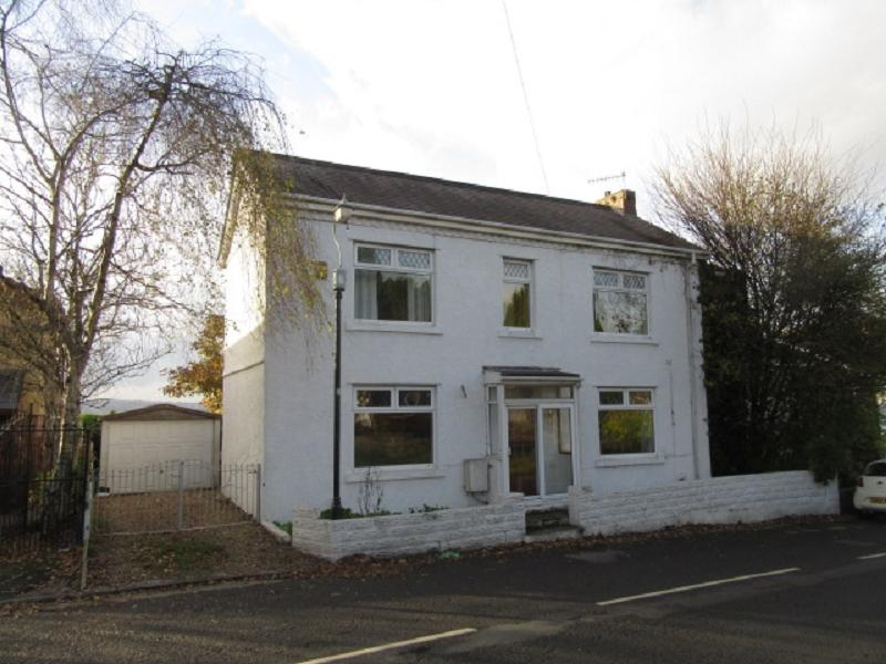 3 Bedrooms Detached House for sale in Birchgrove Road, Birchgrove, Swansea.