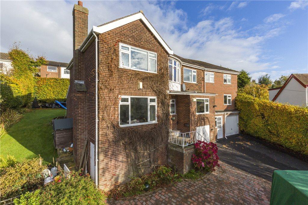 5 Bedrooms Detached House for sale in Henley Crescent, Rawdon, Leeds, West Yorkshire