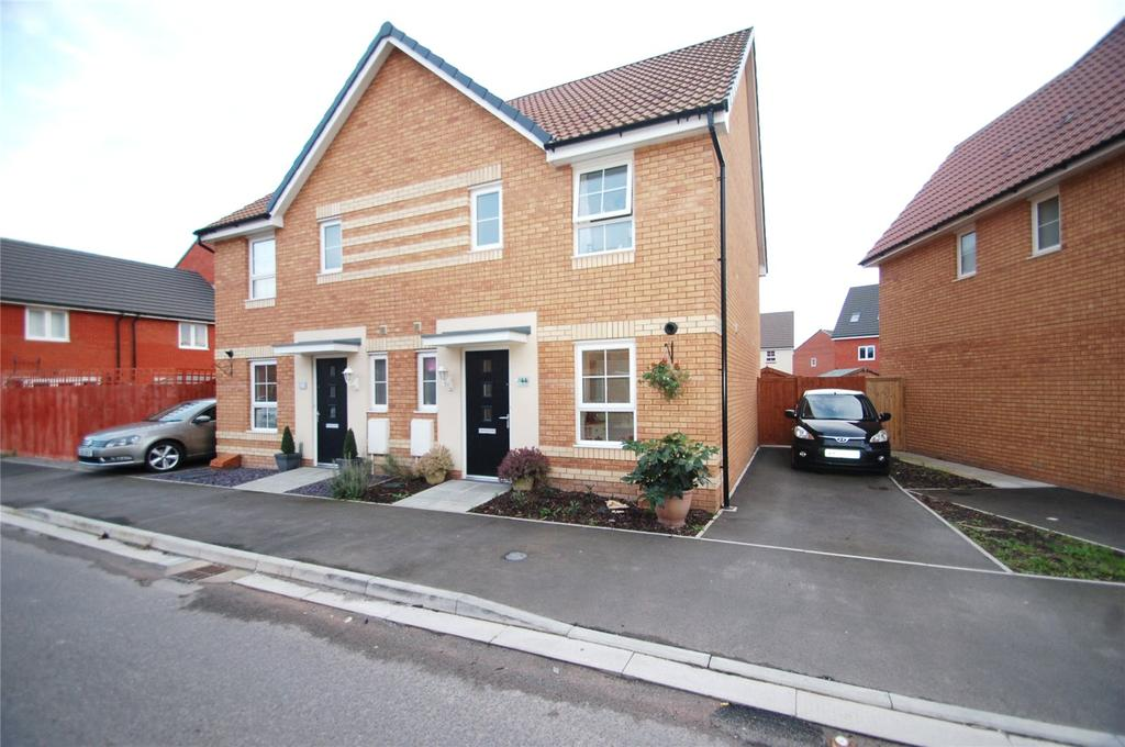 3 Bedrooms Semi Detached House for sale in Royal Drive, Kings Down, Bridgwater, TA6