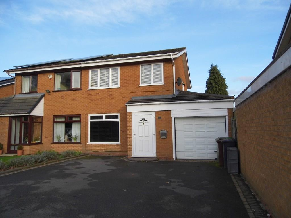 3 Bedrooms Semi Detached House for sale in Myton Drive, Shirley