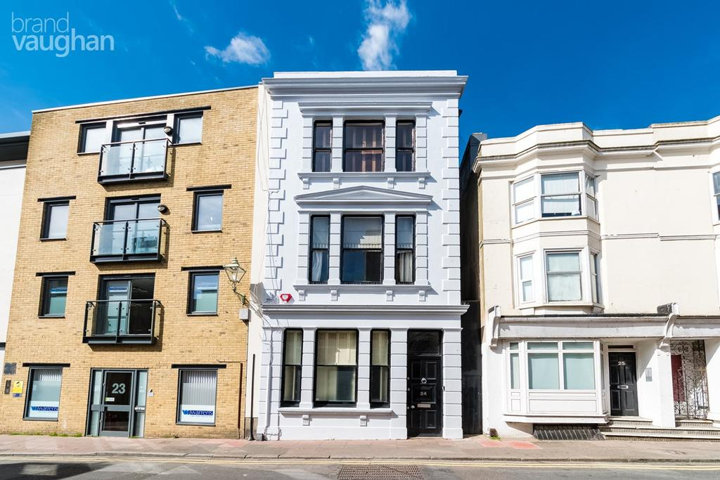 5 Bedrooms End Of Terrace House for sale in Middle Street, Brighton, BN1