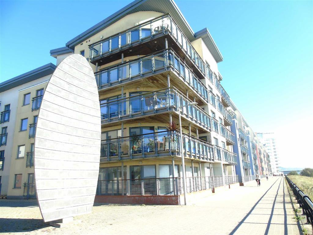 2 Bedrooms Apartment Flat for sale in St Margarets Court, Marina, Swansea