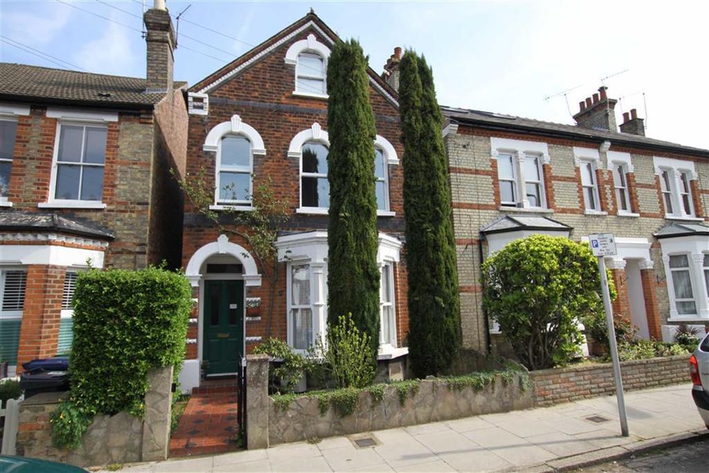 4 Bedrooms Detached House for sale in Carnarvon Road, High Barnet, Herts, EN5