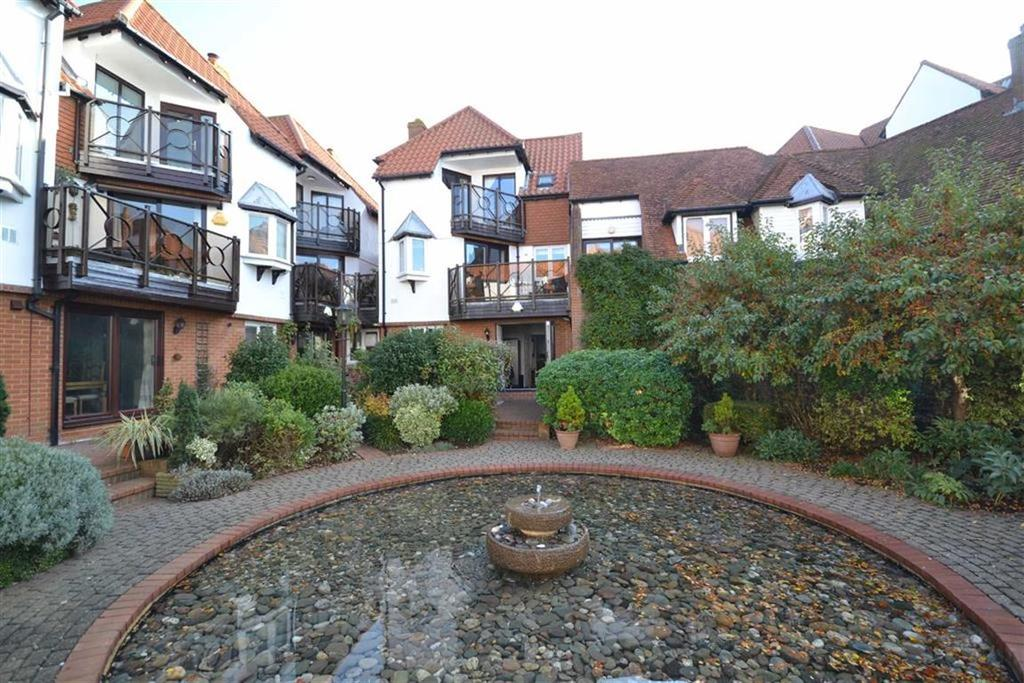 4 Bedrooms Town House for sale in Kings Road, Burnham-on-Crouch, Essex