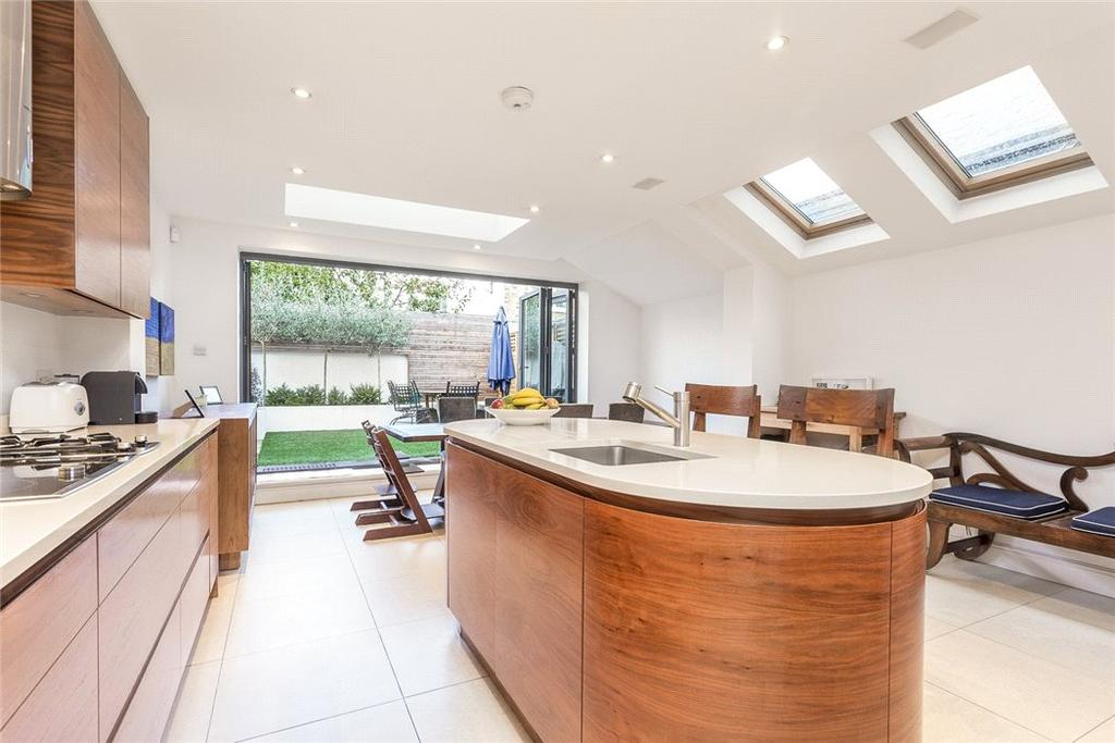 5 Bedrooms Terraced House for sale in Guion Road, Parsons Green, Fulham, London, SW6